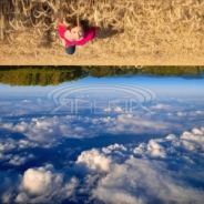 upside_down_earth_sjpg10455