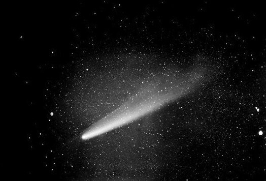 Human Firsts: The First Comet Photographed